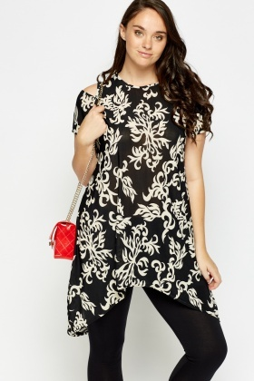 Print Cut Sleeve Dip Hem Top