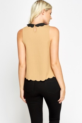 Scallop Trim Collar Sand Top