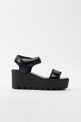 Metallic Shine Platformed Sandals