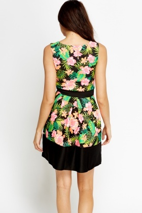 Contrast Floral Sleeveless Skater Dress