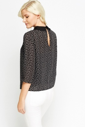 Pleated Contrast Collar Blouse