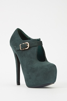 Cut Out Front Heeled Boots