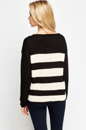 Round Neck Striped Knitted Jumper