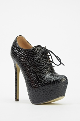 Textured Heeled Boots
