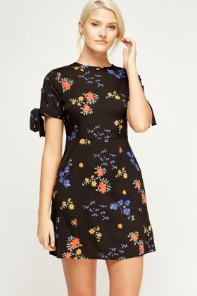 Floral Tie Sleeve Shift Dress