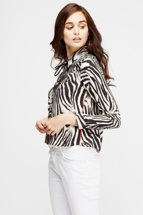 Mono Printed Cropped Shirt