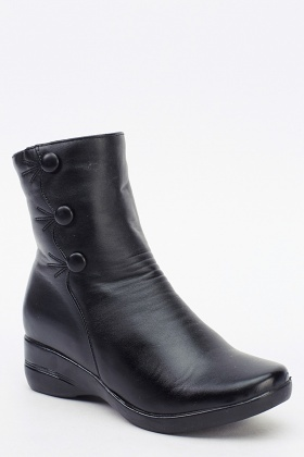 Black Button Detailed Boots