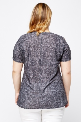 Daisy Print Cut Out Shoulder Top