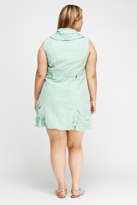 Ruffle Collar Zipped Dress