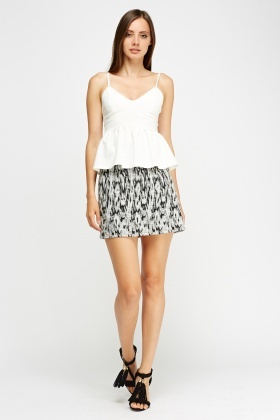 Mono Textured Mini Skirt