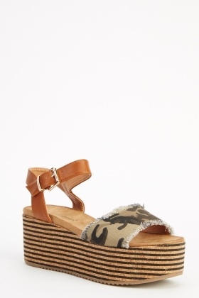 Wedge Contrast Camouflage Sandals