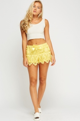 Ribbon Tie Up Crochet Shorts