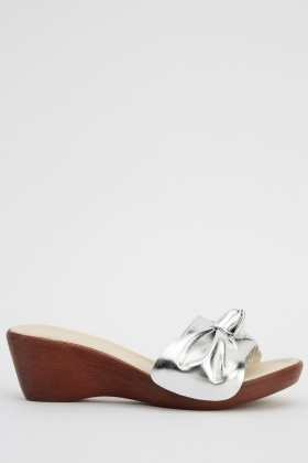 Bow Front Wedge Sandals