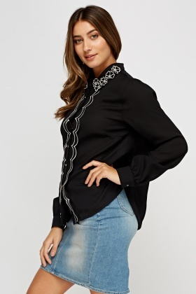 3D Flower Trim Blouse