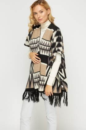 Geo Fringed Knitted Poncho
