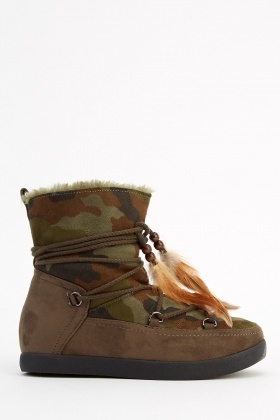 Wedged Camouflage Printed Boots