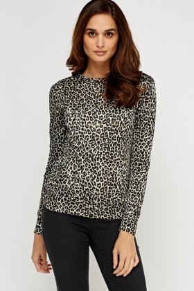 High Neck Leopard Printed Top