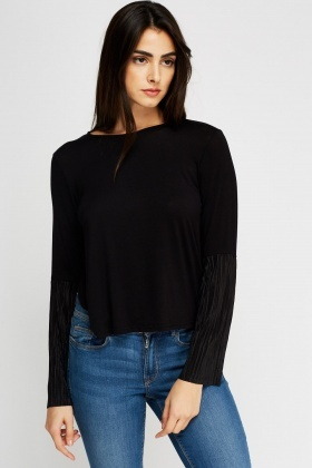 Contrast Flare Pleated Sleeve Casual Top