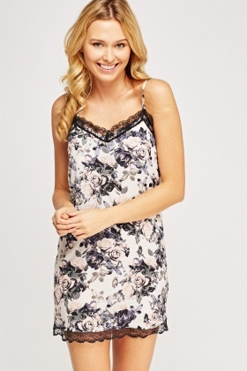 Lace Trim Rose Print Night Dress