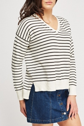 V-Neck Stripe Knitted Sweater