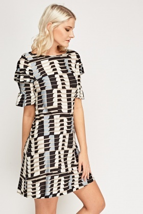 Layered Flared Sleeve Printed Dress