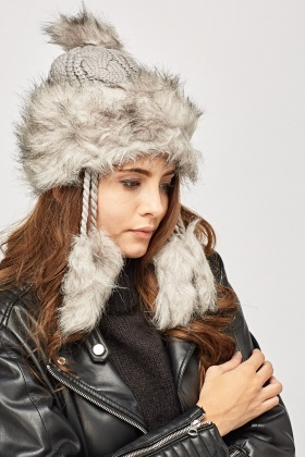 Faux Fur Trim Knitted Pom Pom Hat