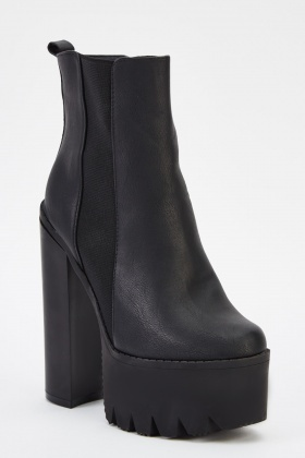 1f78a0a4c132 Black Chunky Heeled Boots - Just £5