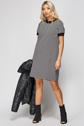 Zig Zag Print Contrast A-Line Dress