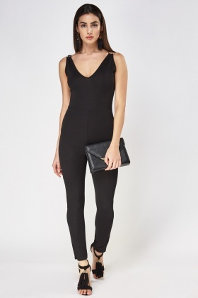 Low Neck Detailed Strap Jumpsuit