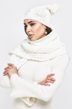 Metallic Insert Knitted Hat And Scarf Set