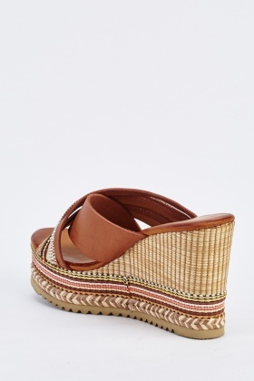 Contrasted Cross Over Wedge Sandals