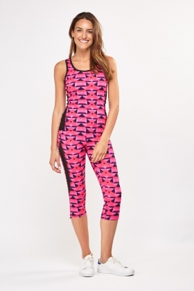 Geo Print Sports Tank Top And Capri Leggings Set