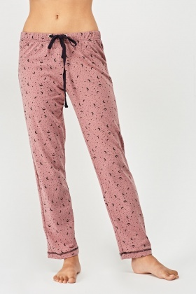 Printed Pyjama Top And Trousers Set
