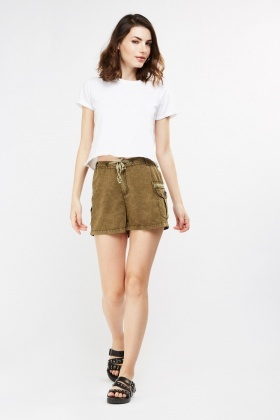 Patched Pocket Side Casual Shorts