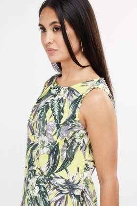 Sleeveless Tropical Print Top