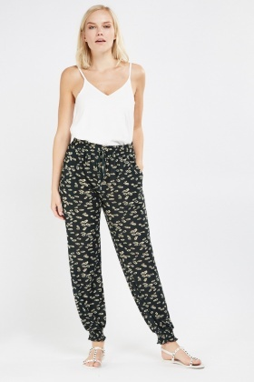 Leaf Print Tapered Light Trousers