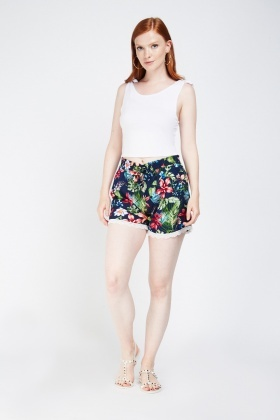 Floral Crochet Trim Casual Shorts