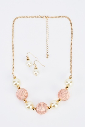 Contrast Statement Chained Necklace