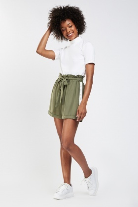 Contrasted Side Bermuda Shorts