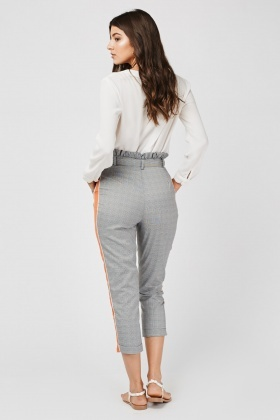 Contrasted Side Crop Plaid Trousers