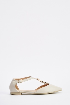 Cut Out D-Ring Court Shoes