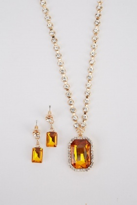 Solitaire Necklace And Earrings Set