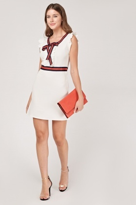 Frilly Stripe Contrast Shift Dress