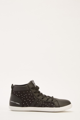 Contrasted High Top Plimsolls