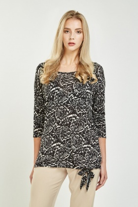 Tie Up Hem Printed Top