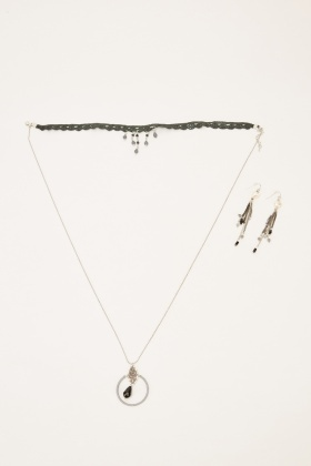 Chained Pendant Necklace And Earrings Set