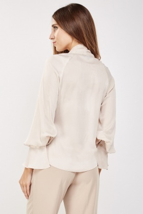Crinkled Pussy Bow Neck Blouse