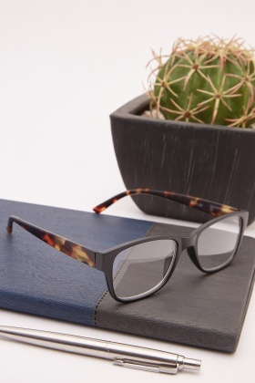 Black Tortoise Reading Glasses