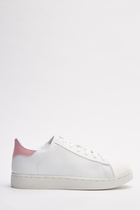 Low Top Contrasted Sneakers