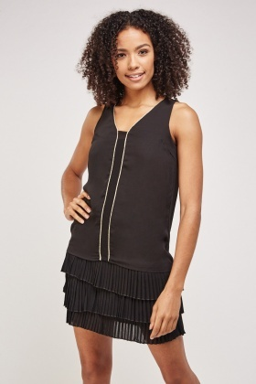 Pleated Hem Contrast Dress